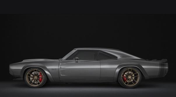 Бешеный слон: Dodge Super Charger готов поделиться 1000-сильным двигателем со всеми желающими. Марка Dodge представила на выставке SEMA рестомод Super Charger с 7,0-литровым компрессорным V8.
