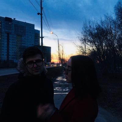 Женя Уралов