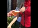 разливное пиво из манекена обнаженной девушки не порно