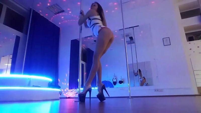 Exotic pole dance. Tinakova Dance Studio