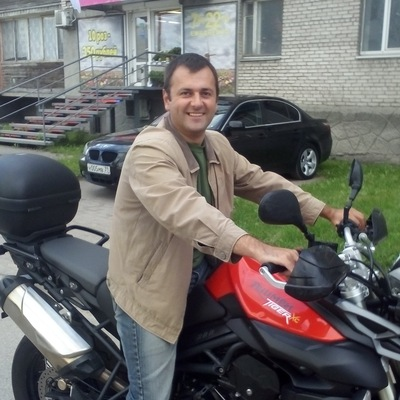 Виктор Неляпин
