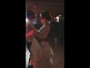 Медленный танец жениха с невестой 💕