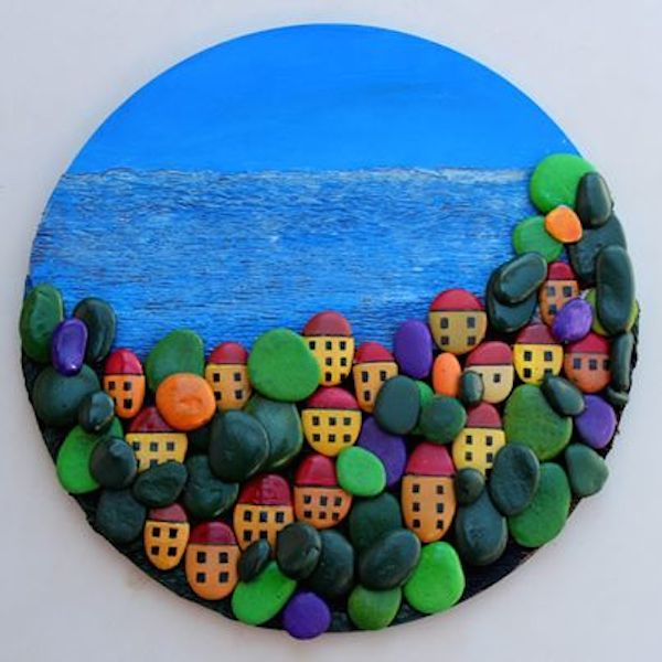 Поделка из цветных камушек 339