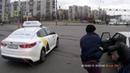 Схватка двух бородачей на перекрестке в Петербурге