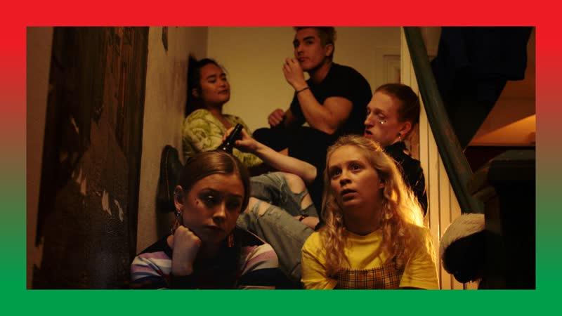 Lovleg (NRK), 2-й сезон, 9-я серия, 4-й отрывок Mellom oss [Между нами]