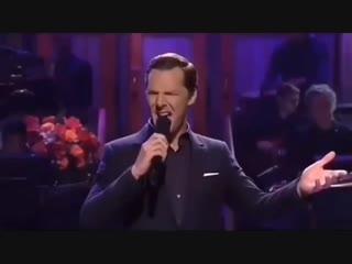 Поёт Benedict Cumberbatch
