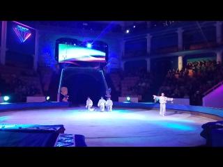 Юные якутские циркачи с верёвками