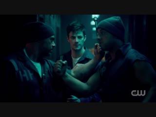 The flash 4x11 – barry allen prison fight!! epic scene!!!