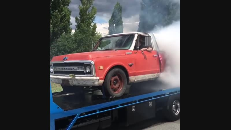 Tow Truck Burnout with Farmtruck and Azn