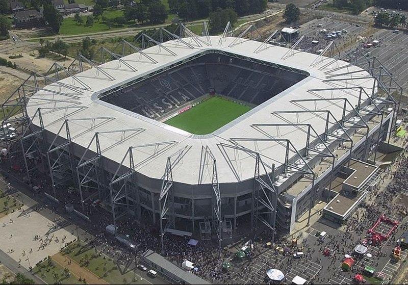 Стадион Боруссия Парк (Borussia-Park). Менхенгладбах, Германия.