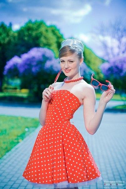 В нынешнем сезоне очень актуальны юбки в стиле 60-х.  Известные дизайнеры используют их в своих...