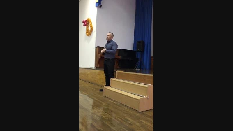 Выступление в школе №52 , по направлениям обучения Высшей школы предпринимательства