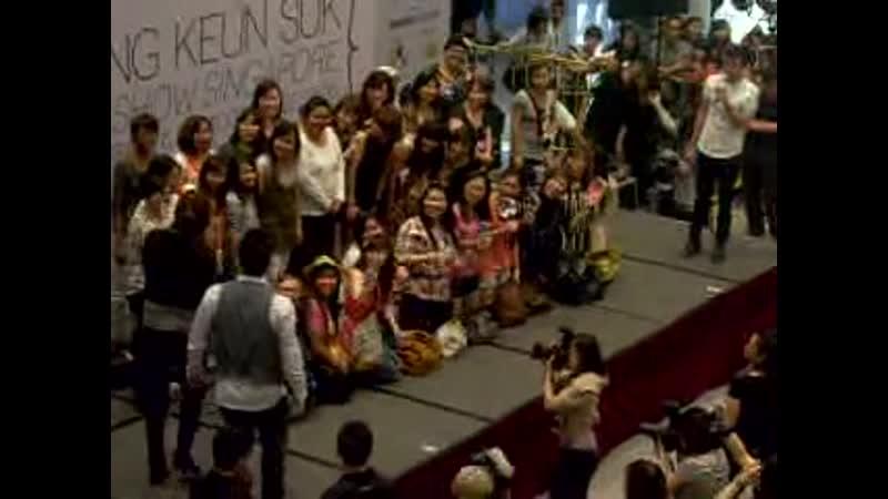Jang Keun Suk In Singapore 22 Apr 2011 @ Marina Square Part 5