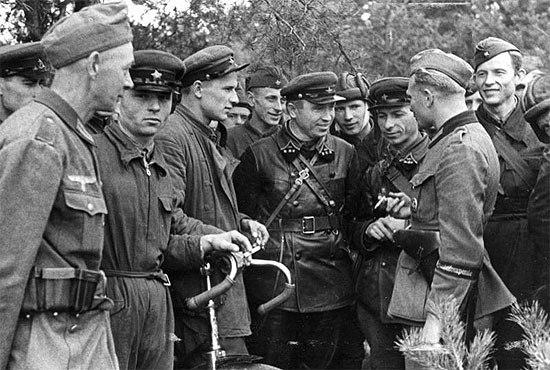 """""""А как праздновать победу без главнокомандующего?"""", - Сталин с билбордов поздравляет крымчан - Цензор.НЕТ 2943"""
