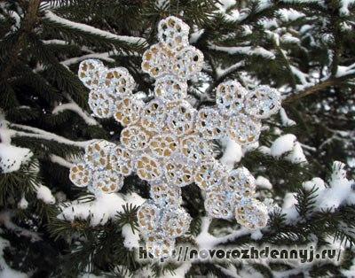 Снежинка своими руками из макарон фото