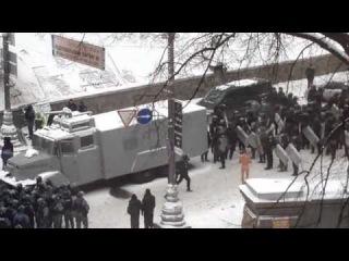 Второе видео издевательств беркута над Михаилом Гаврилюком