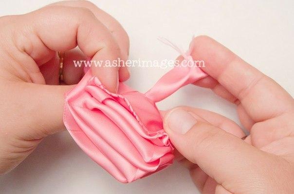 club38966129 Как сделать розу из атласной ленты. Мастер-класс.