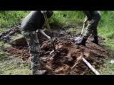 Украина - Укронацисты закопали живьём ополченца ДНР-ЛНР. Июнь, 2016 год.