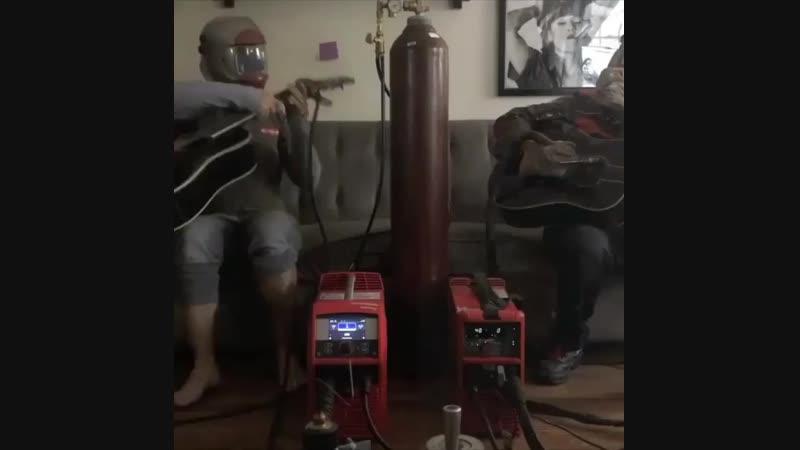 Dueling welders