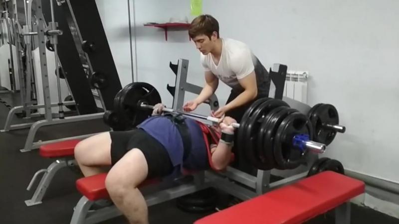 Александр Тяпкин жим 200 на 15 (слинг)