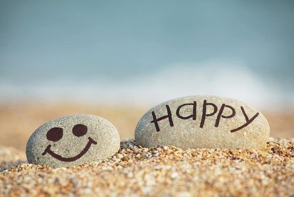 İnsanlar Artık Sokakta Yürürken Hiç Gülmüyor Mutlu Olmayı Ertelemeyin