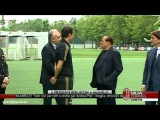 Berlusconi arrives at Milanello and meets the players