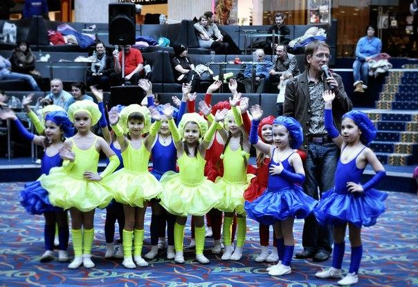 Новогодние корпоративы в детском саду сценарий