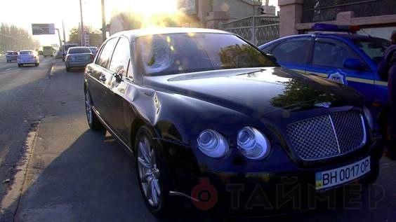 Лихач на Бентли выехал на встречную и убил пешехода. Машина принадлежит депутату горсовета Одессы - Цензор.НЕТ 579