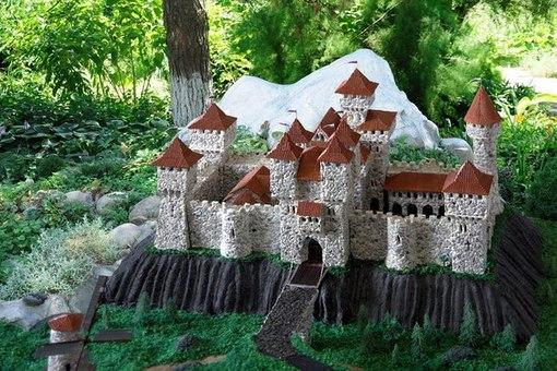 Декоративный замок для сада своими руками мастер класс
