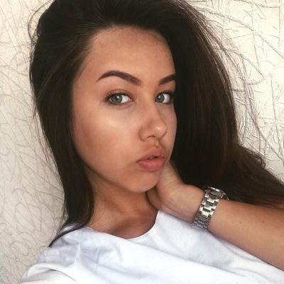 Саша Суксина