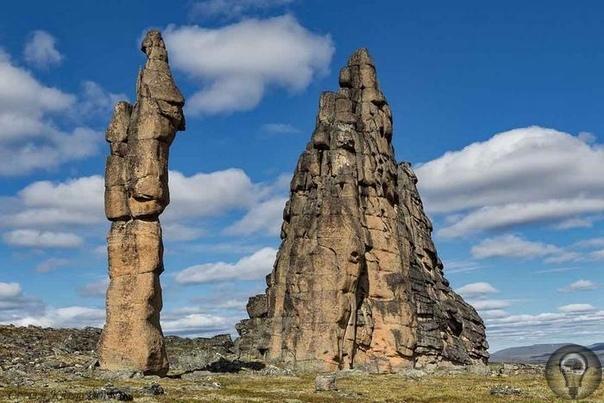 Гранитный природный город Якутии Горный якутский кряж Улахан-Сис представляет собой возвышенность в междуречье Алазеи и Индигирки. И вот здесь, посреди дикой тундры, протянулись удивительные,