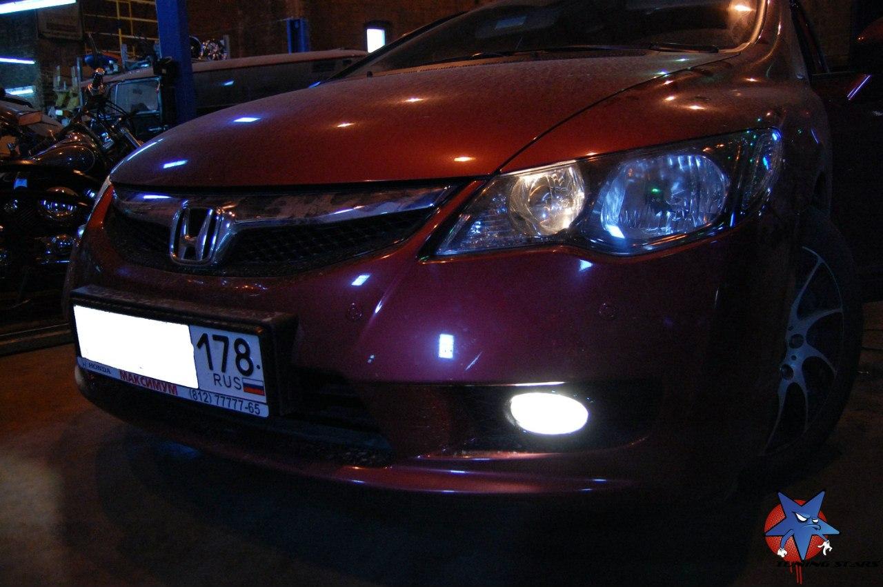 Обновленный футуристический стиль Honda Civic 5D