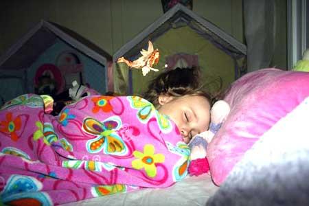 Скрежет зубов может указывать на проблему с количеством или качеством сна, которое они получают.
