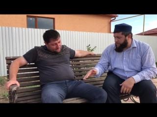 Я знаю, что многие восхищаются роликами Иса Хаджи Гамзатова и его окружения)) в особенности их нравоучением.