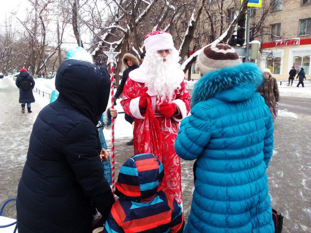 В Марфино состоялась акция «Новый год шагает по планете»