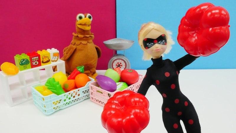 Spielspaß mit Puppen - Ladybug und Cat Noir gegen Antibug - Spielzeugvideo für Kinder