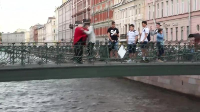 Стас Борецкий Збросил Чувака С Моста