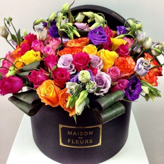 Красивые букеты цветов в коробке