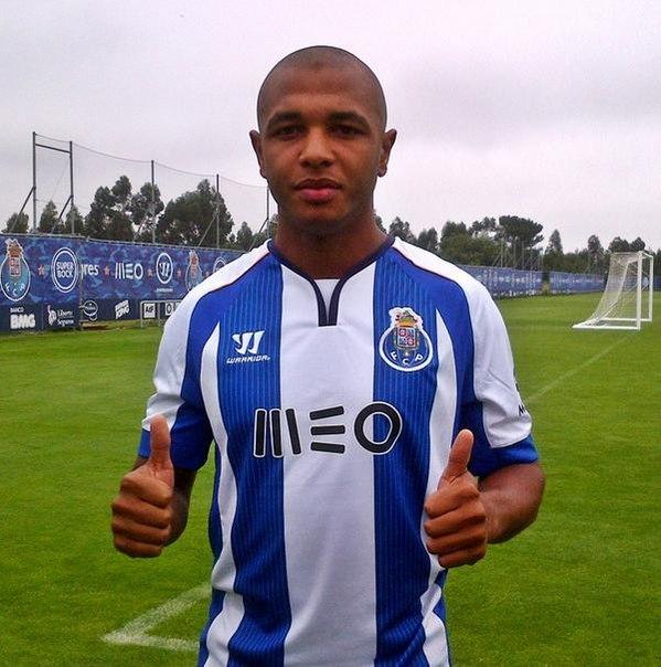 Официально: Ясин Брамим перешел в Порту.