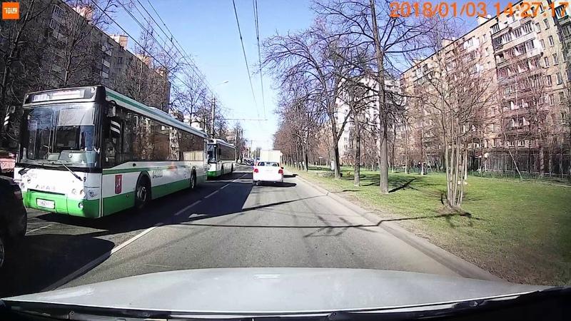 ДТП на Сиреневом бул 17 04 2019