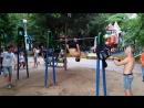 Треня в городском парке.