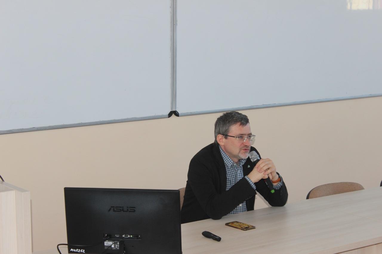 Директор ВЦИОМ дискутировал со студентами педуниверситета — Изображение 2