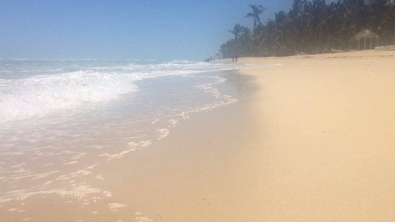 Прибрежье и волны Доминикана