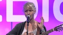 Performing Live | Alice Phoebe Lou | Exponential Medicine 2015