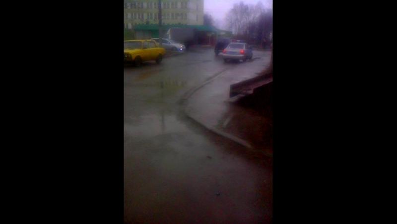 Орловское дпс затрудняет движение на перекрестке гос номер