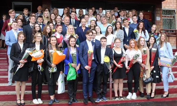 55 усть-илимских выпускников окончили школу с медалью