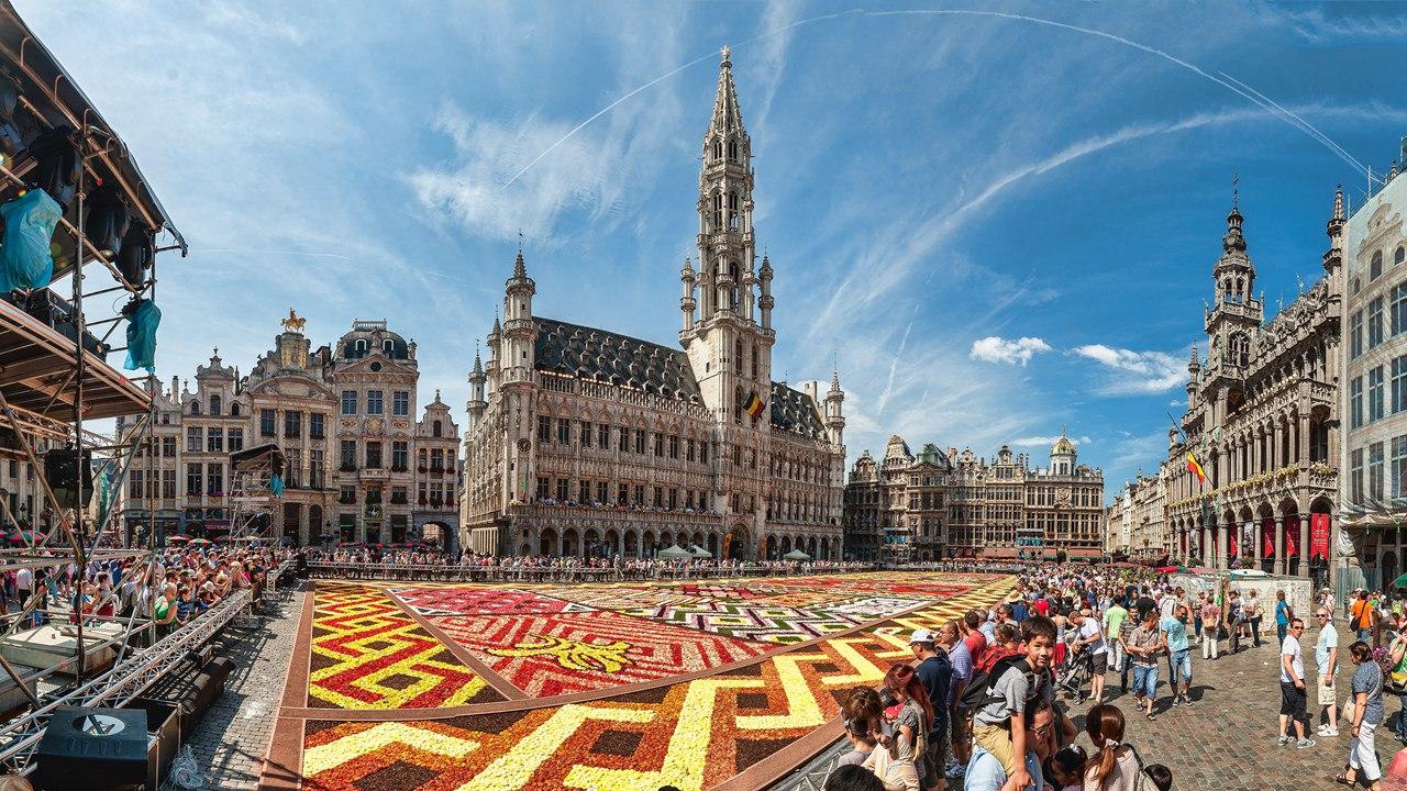 Панорама центральной площади Брюсселя