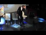 Том Хиддлстон (Локи) классно танцует в Корее во время интервью на ТВ.