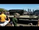 В Курске на параде перевернулся танк. Гениально!