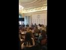 Главный редактор Русского репортера Виталий Лейбин встаёт лекцию в Школе